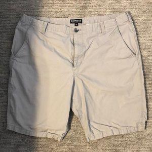 Men's classic flat front shorts. Grey. Size 36